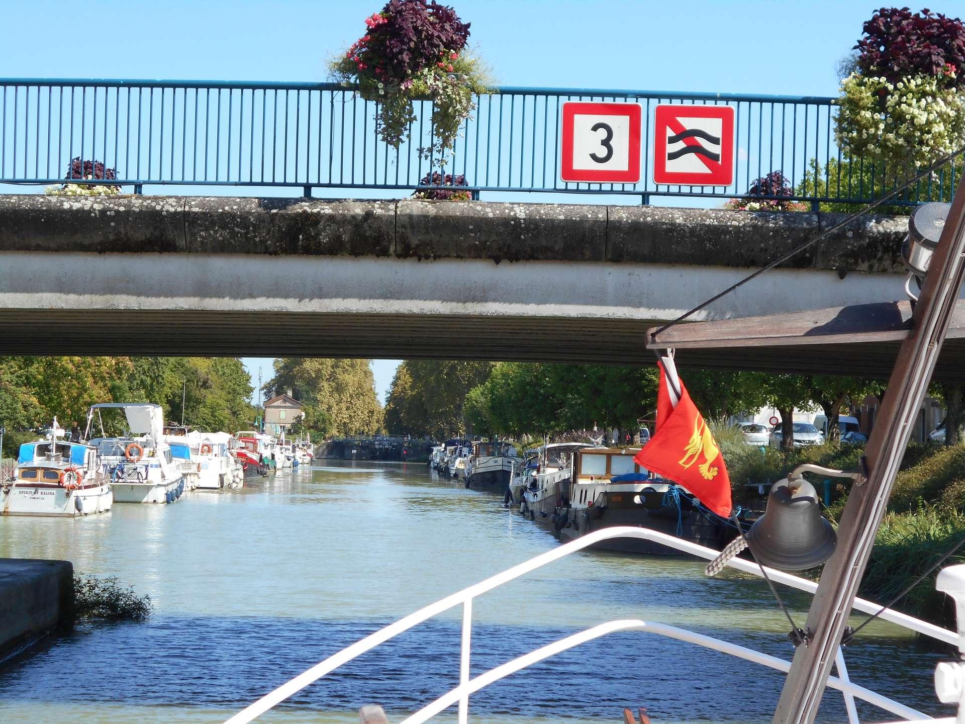 signaux pour la navigatin en eau interieure